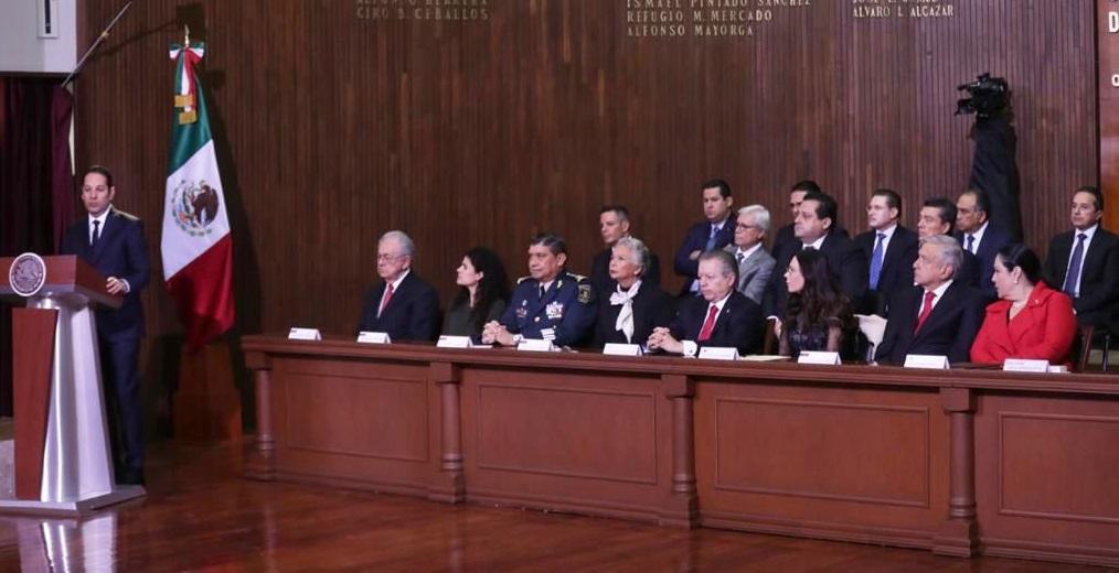 Reitera Alejandro Murat compromiso de su gobierno para hacer cumplir la Constitución de México