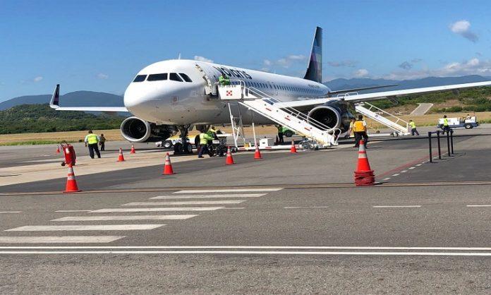 Entre lo moderno y lo típico está el aeropuerto internacional de bahías de Huatulco