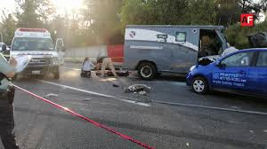 Millonario asalto a camión de valores dejó a tres custodios muertos y otro herido en Jalisco.
