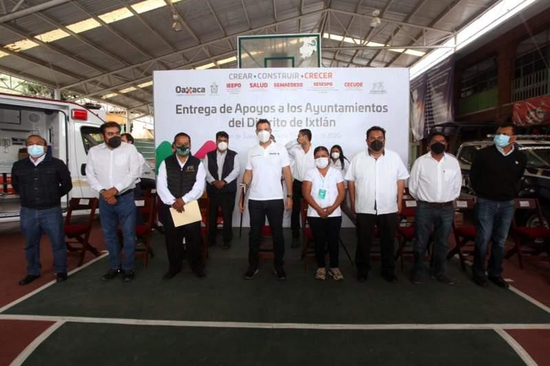 Refrenda Alejandro Murat alianza con municipios de la Sierra Norte
