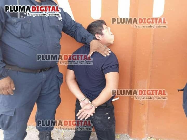En exitosa persecución policíaca, guardianes del orden logran la captura de dos presuntos ladrones.