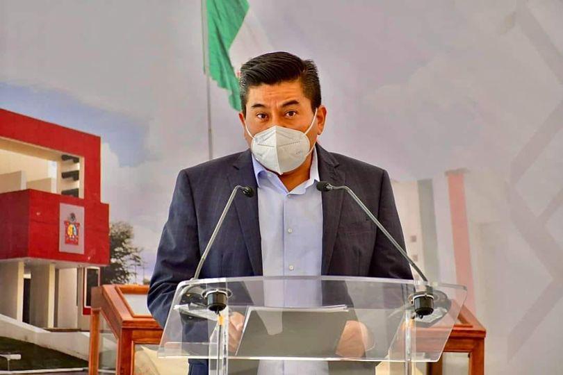 EXHORTAN AL GOBERNADOR DE OAXACA A REFORMAR LAS DIVERSAS DISPOSICIONES LEGALES PARA QUE FUNCIONARIOS PÚBLICOS SEAN SANCIONADOS POR DESVÍOS DE RECURSOS.
