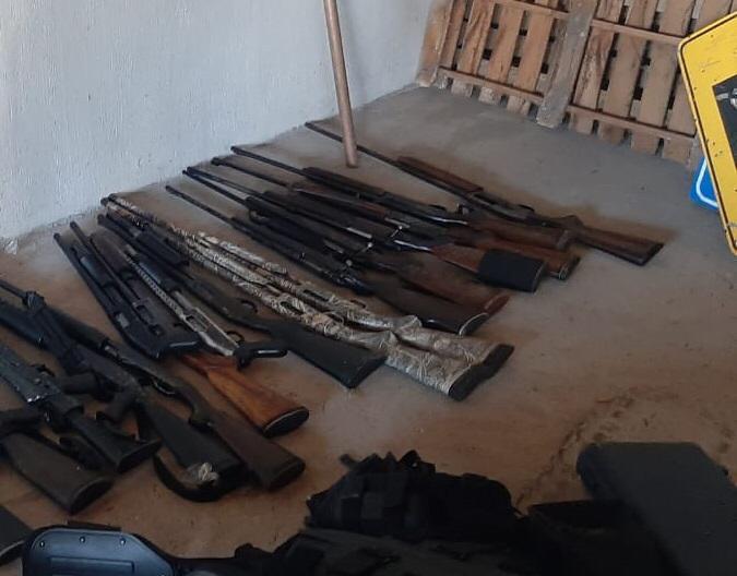 Ejercito Méxicano asegura un arsenal en  Jalisco