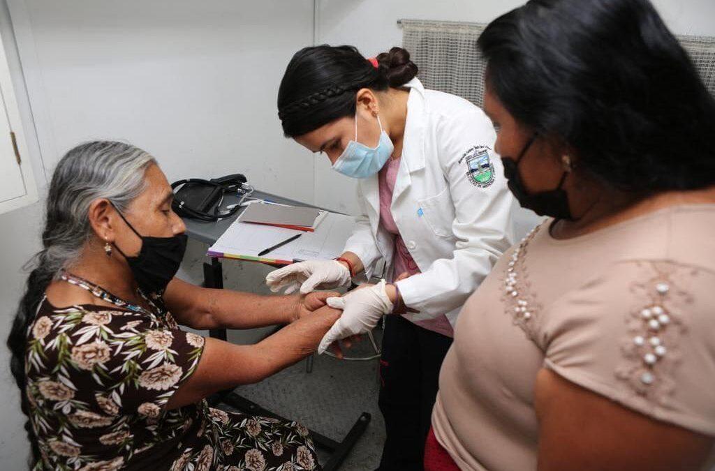 La salud de los oaxaqueños, eje primordial en la administración de AMH